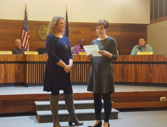 Outgoing city administrator recognized for accomplishments